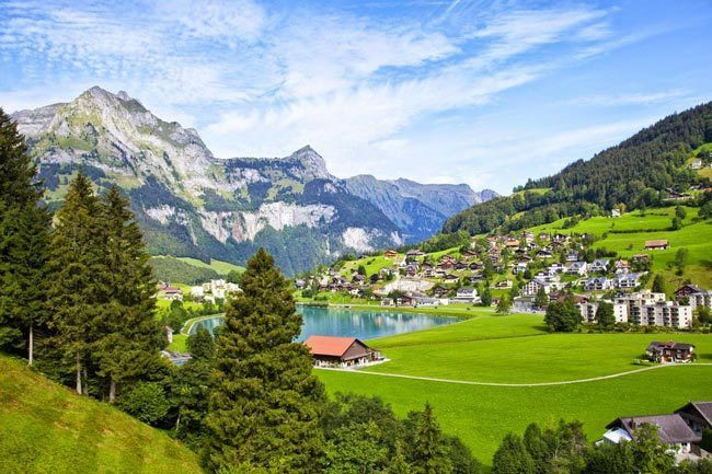 The-charming-town-of-Engelberg-in-Switzerland-2