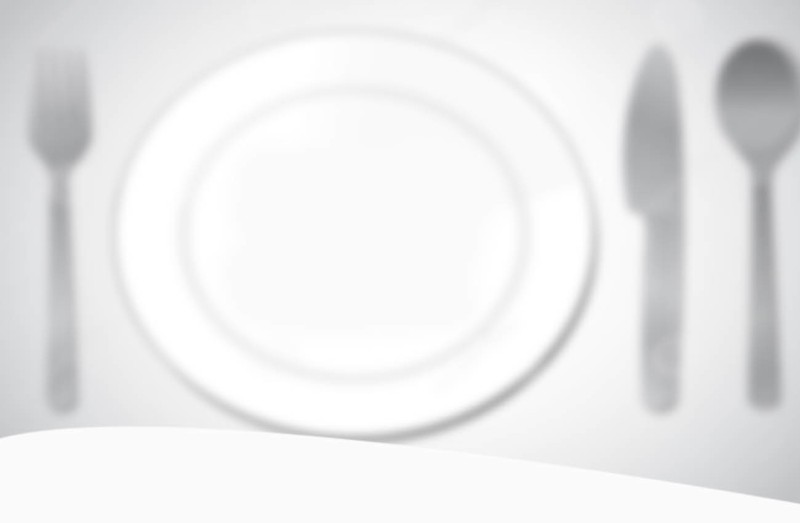 8994896-white-plate-on-red-checked-tablecloth-Stock-Photo