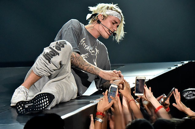justin-bieber-staples-center-2016-billboard-650