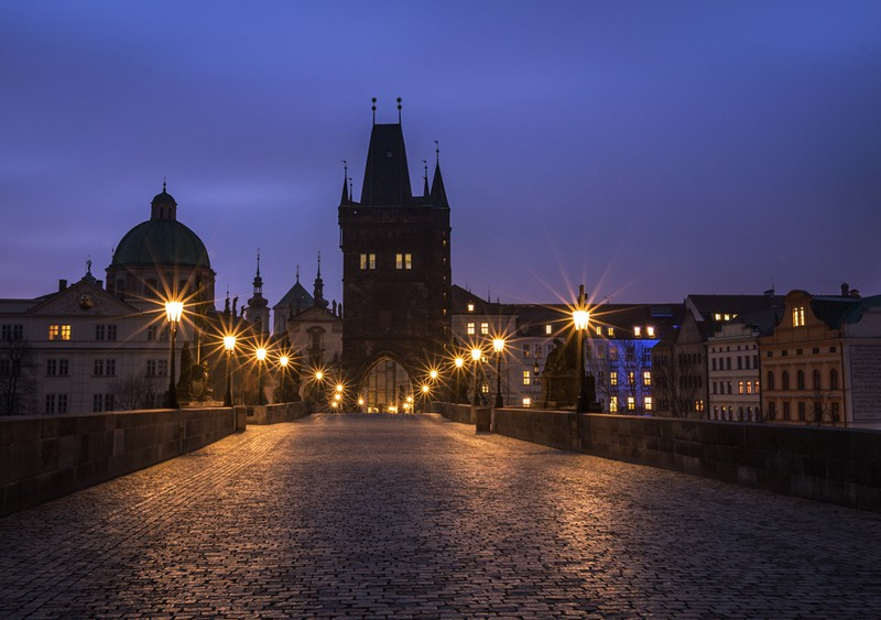 Charles-Bridge-Dawn