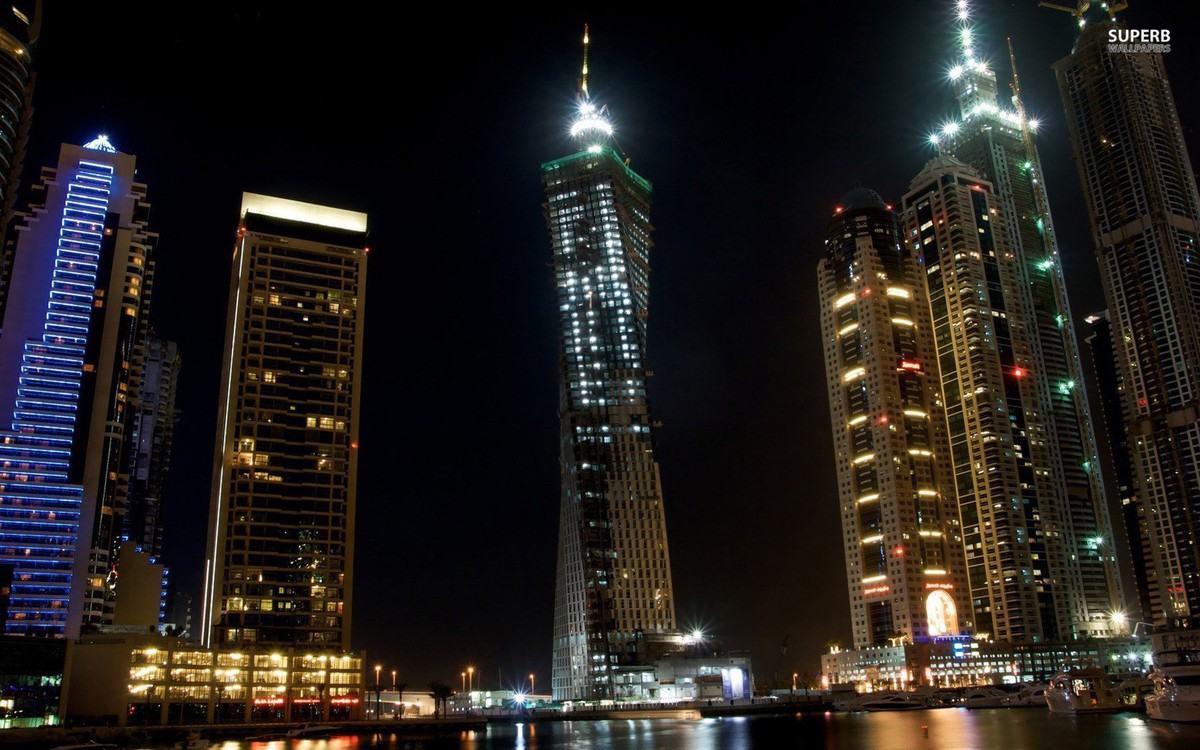 night_Dubai_1680x1050