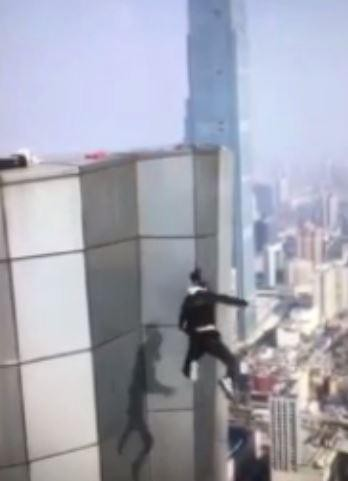 rooftopping-star-who-died-falling-from-62-storey-building-was-going-to-propose-to-gf-world-of-buzz-5